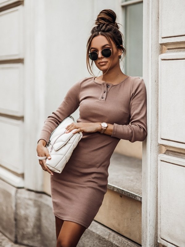 Sukienka Malesia Karmelowa