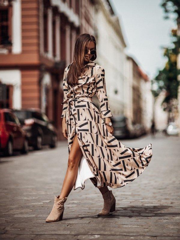Sukienka Revelo Karmelowa