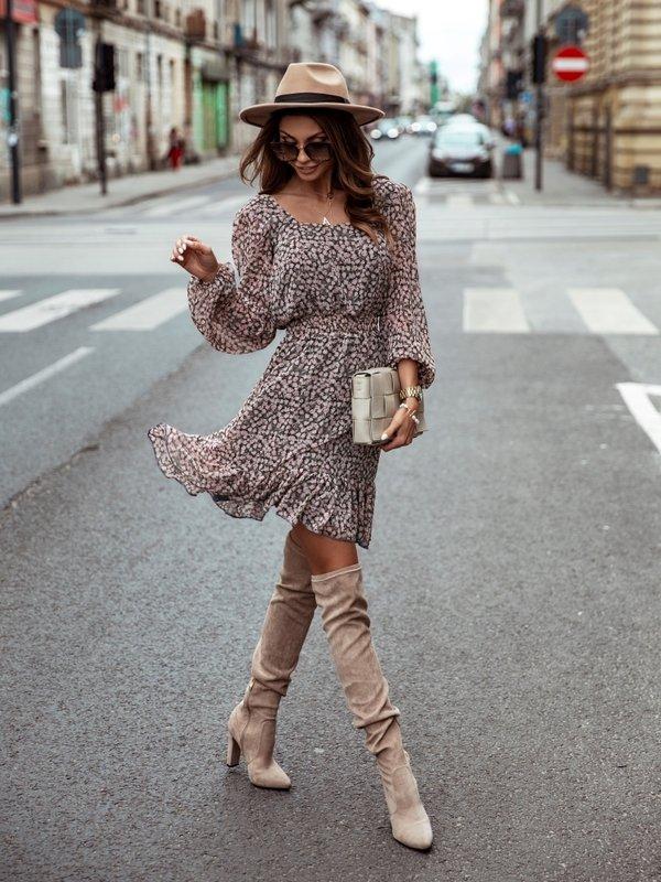 Sukienka Rejvik Pudrowa